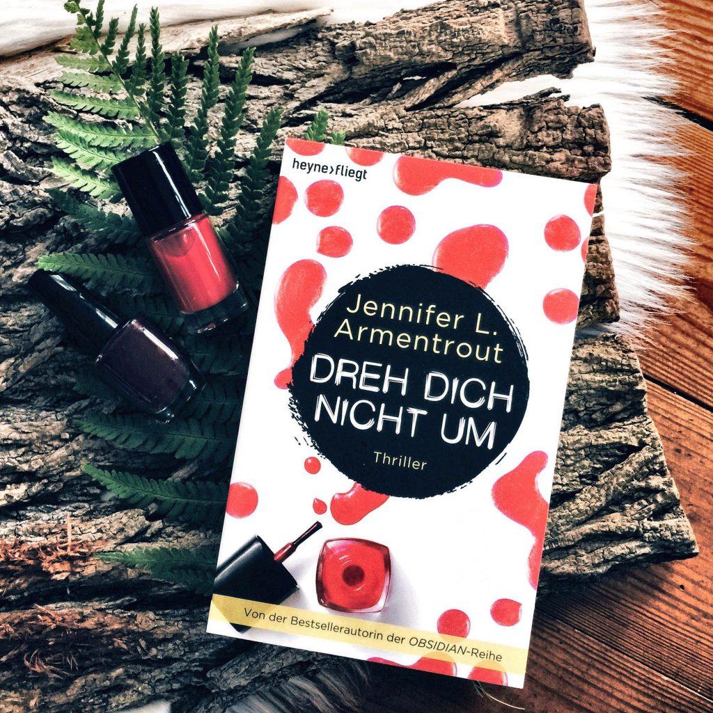 """Rezension Jennifer L. Armentrout – """"Dreh dich nicht um"""""""
