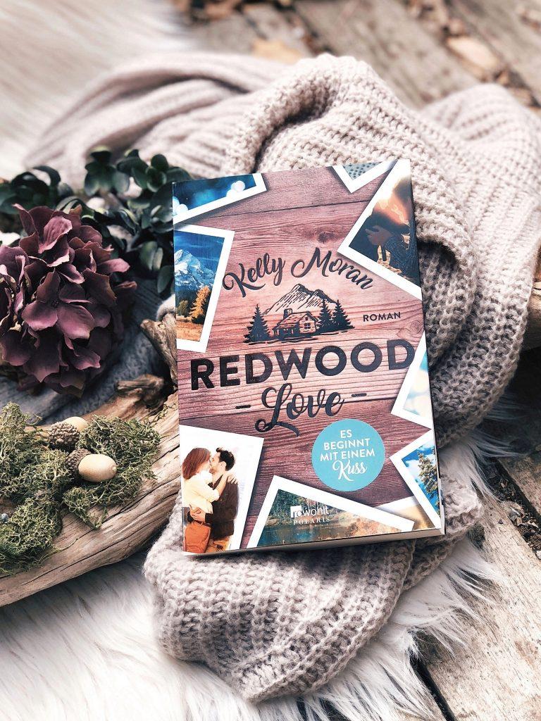Rezension  Kelly Moran – Redwood Love – Es beginnt mit einem Kuss (Die Redwood-Love-Trilogie, Band 2)