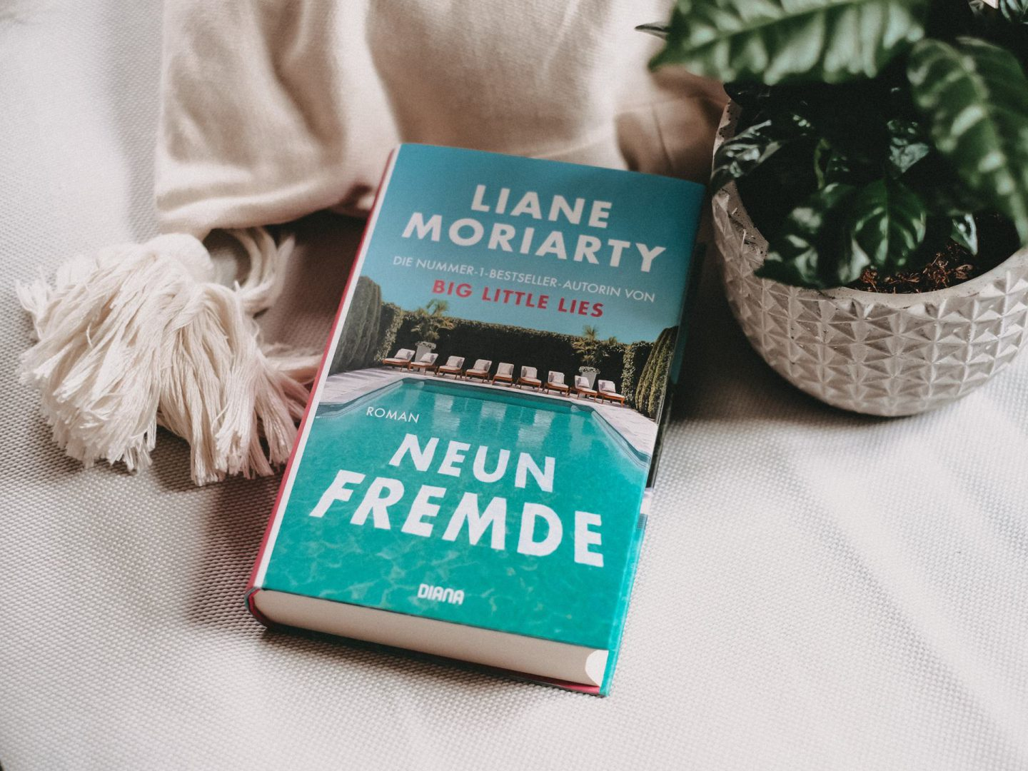 Rezension Liane Moriarty – Neun Fremde