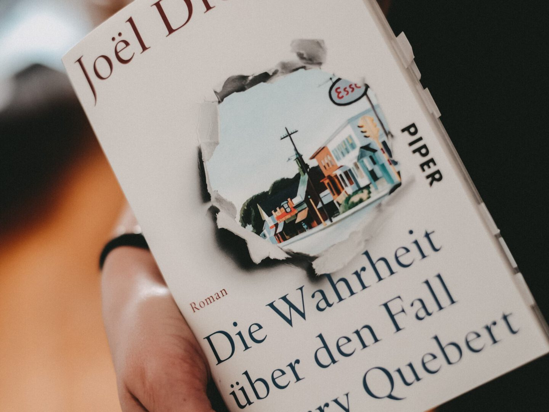 Rezension Joël Dicker – Die Wahrheit über den Fall Harry Quebert