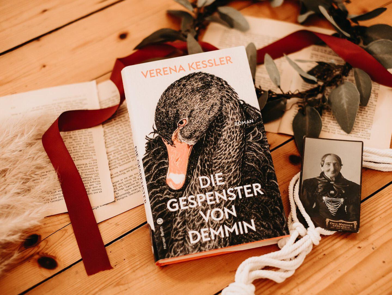 Rezension Verena Kessler – Die Gespenster von Demmin