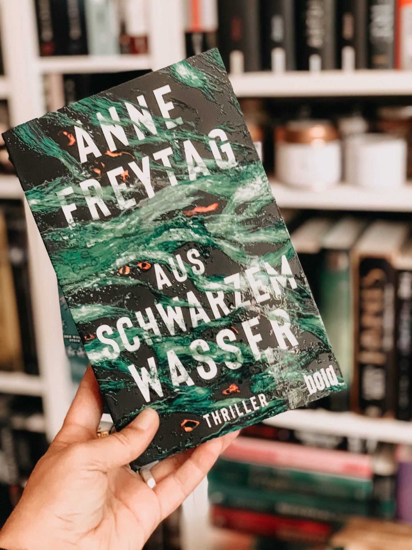 Rezension Anne Freytag – Aus schwarzem Wasser