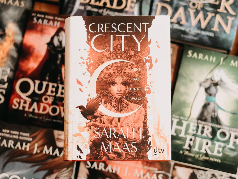Rezension Sarah J. Maas – Crescent City: Wenn das Dunkel erwacht
