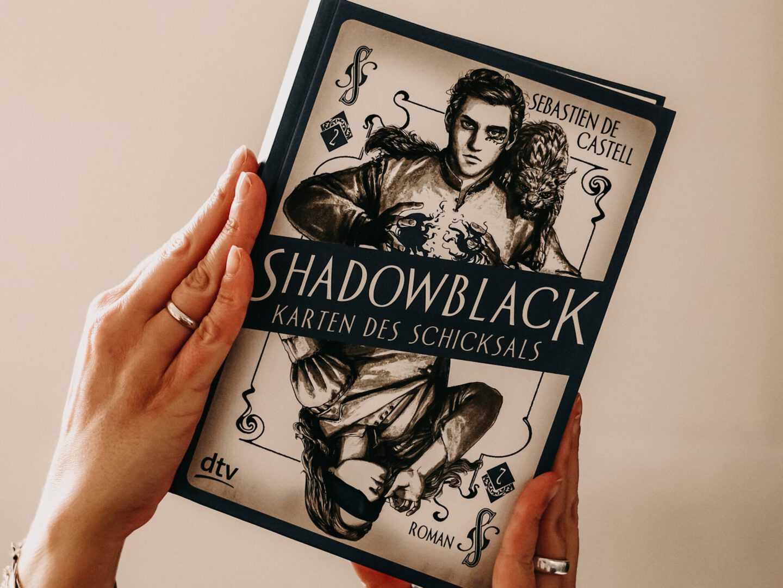Rezension Sebastien De Castell – Shadowblack: Karten des Schicksals